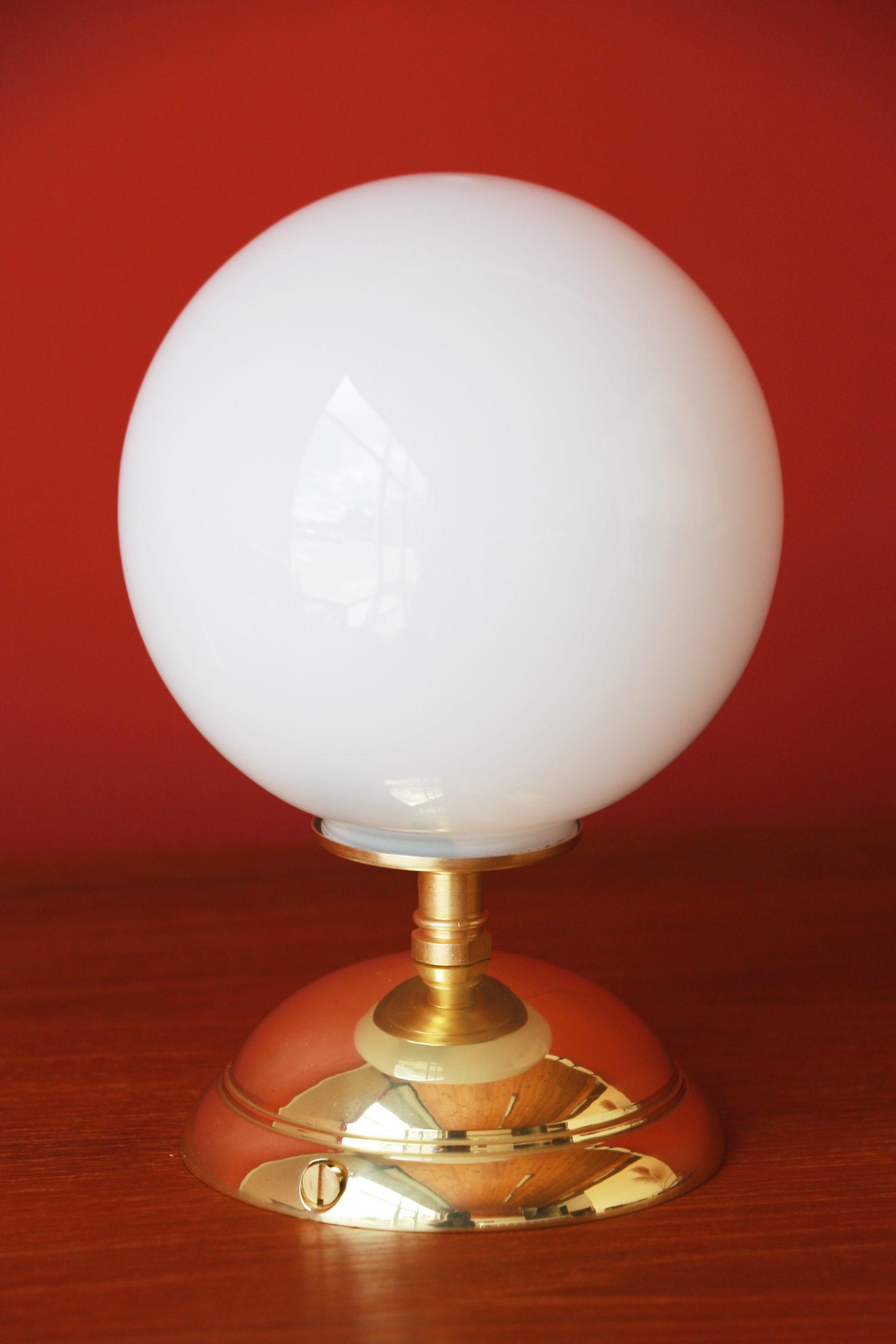 Lampe vintage avec un socle